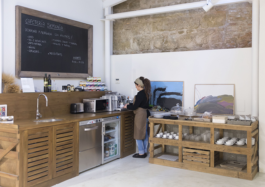 Cafetería Semonia