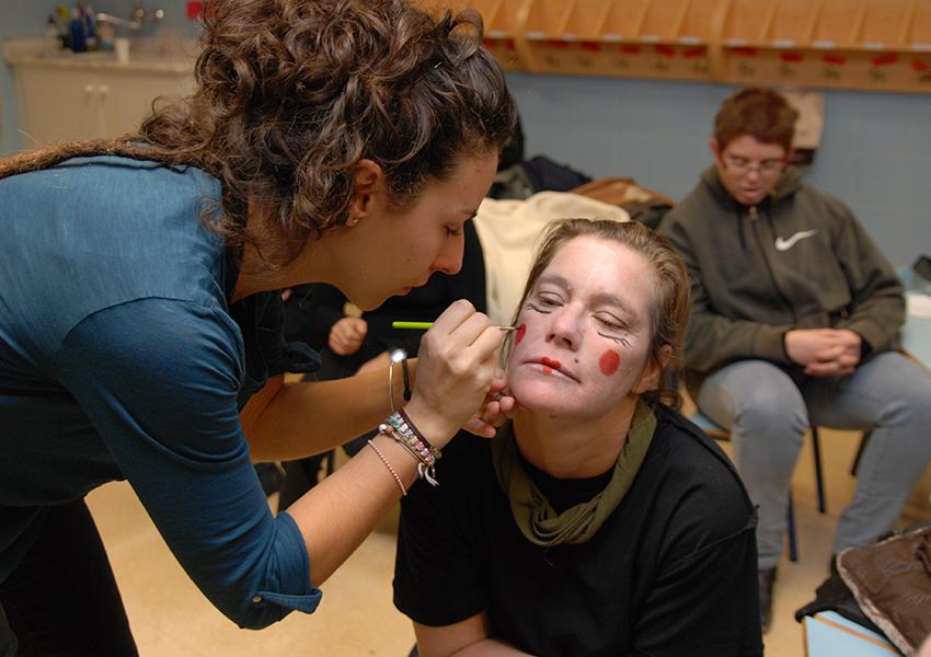 Atades Hueseca Pieconbola maquillaje