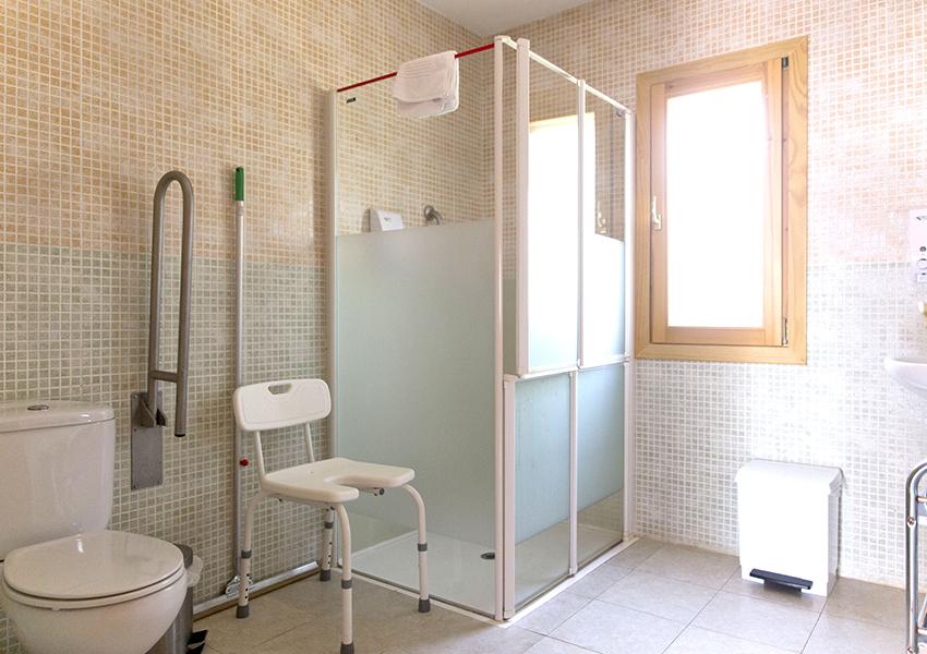 Valentia Jaca Martillué Residencia Ignacio Claver baños